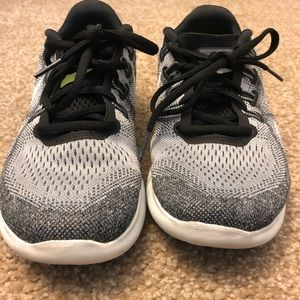 Nike Shoes - Nike Frees Running Shoes W7